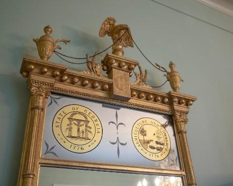 Neo-classical-style mirror